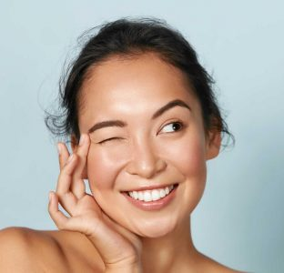 6 Magical Tricks To Get Glowing Skin Overnight